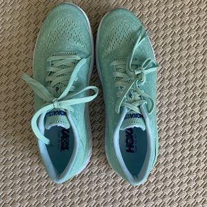 Hoka one one sneakers - size 8 - NEW